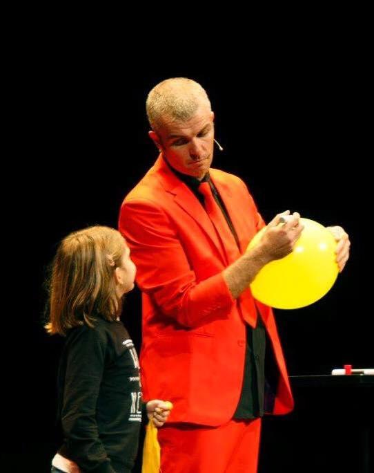 luigi globo amarillo