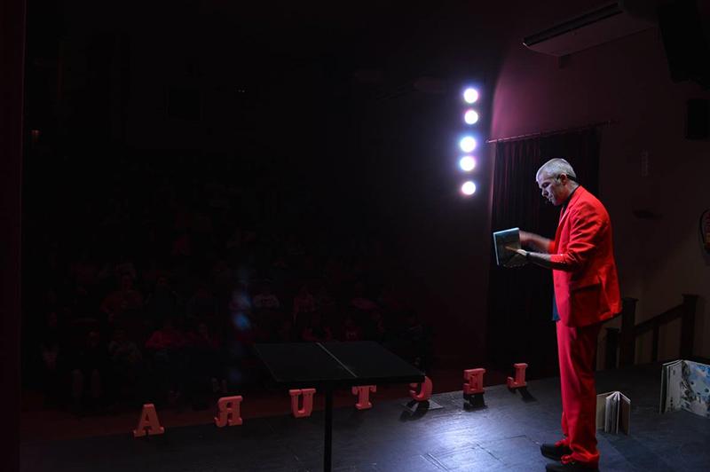 lectura en teatro de benaojan